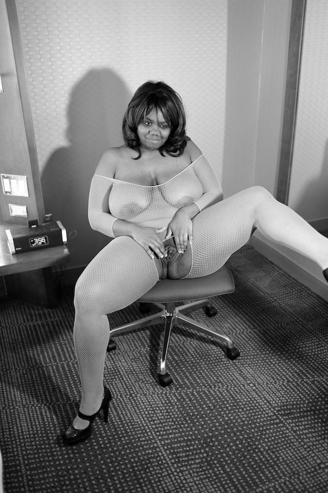 Whore Vivienne 4 - 13 Pics