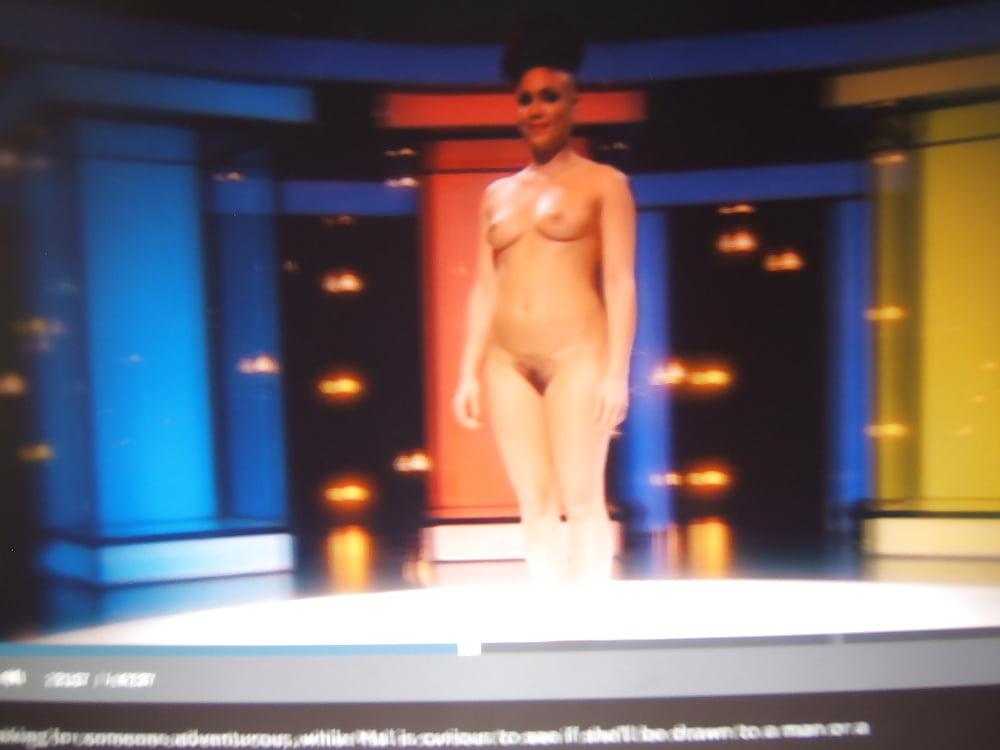 Dating naked europe-2911