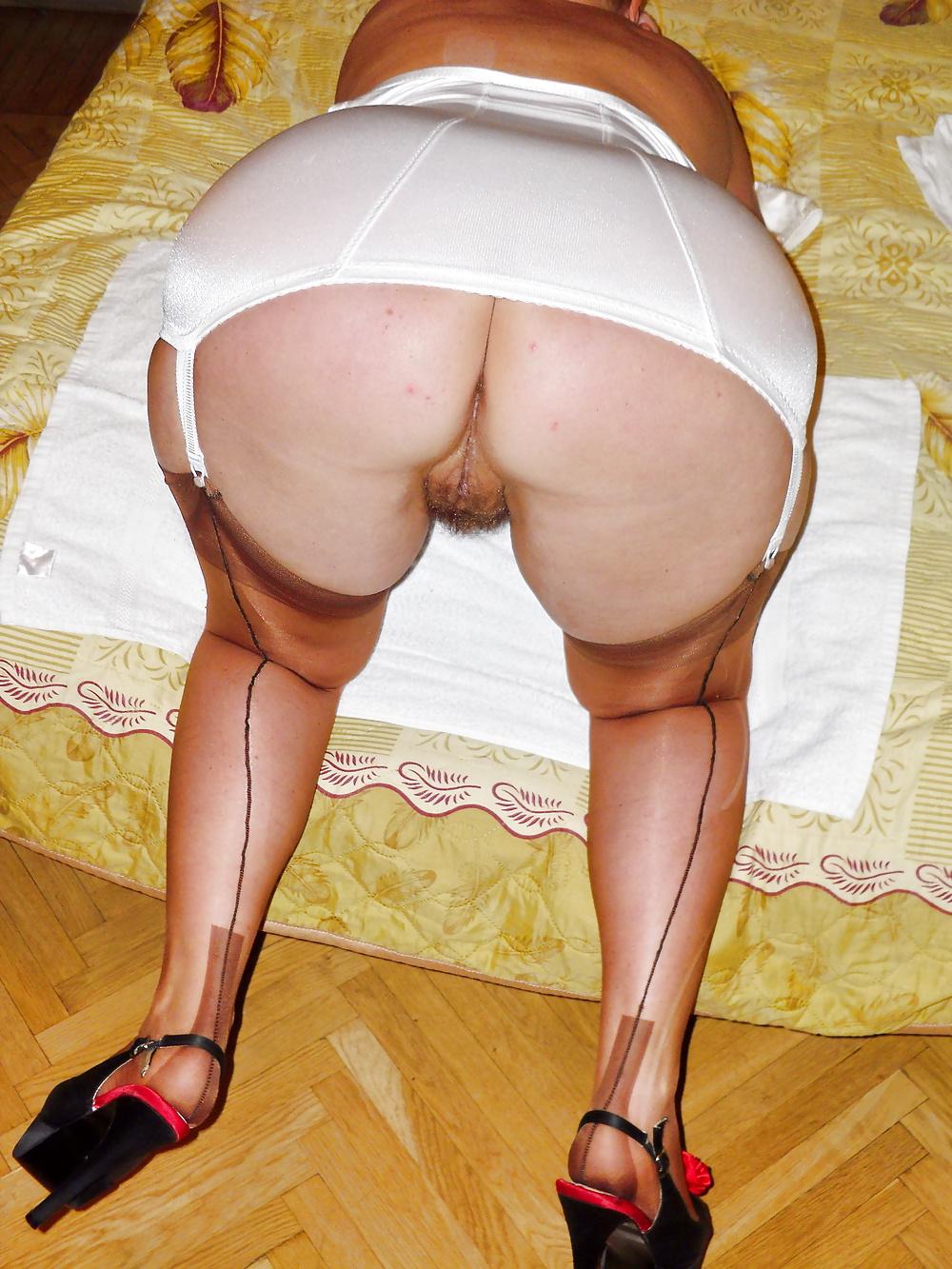 женщины мастурбируют в панталонах