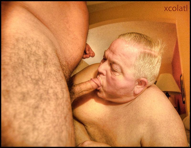 Пожилые мужики сосут друг у друга