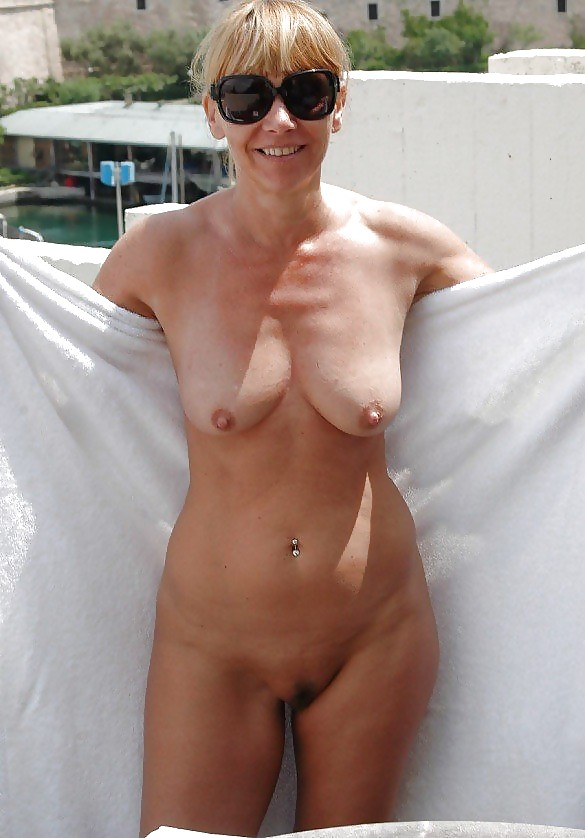 Mom pictures naked