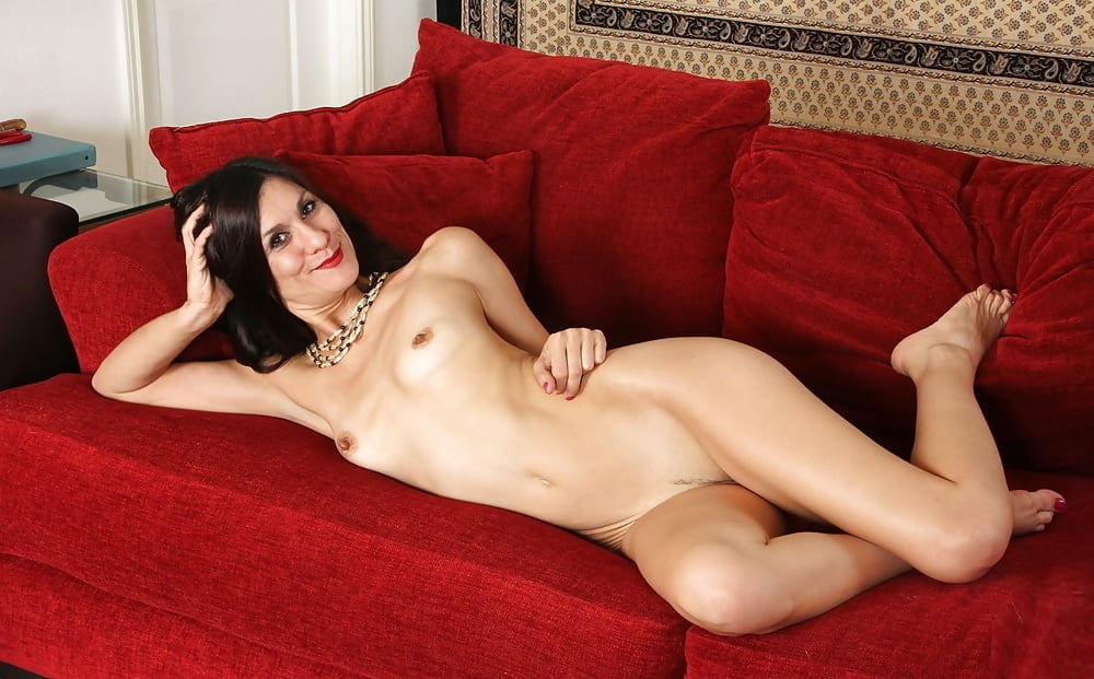 Mature Mom Leah Harris Is An American Hot Number 1