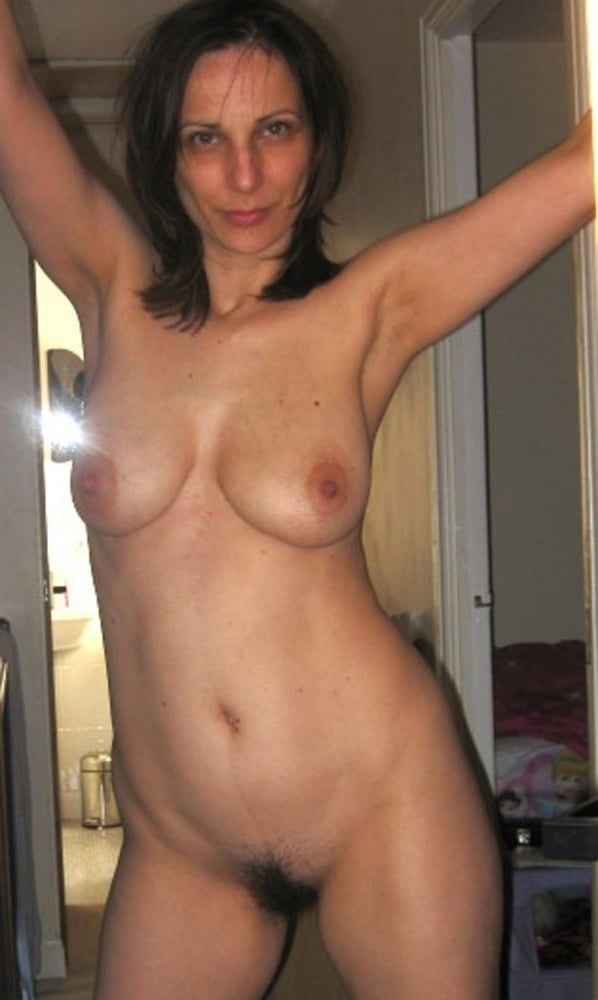 Sexy milf - 53 Pics