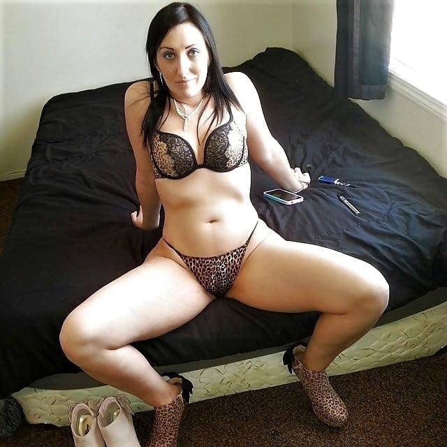 Women in skirts pics-9436