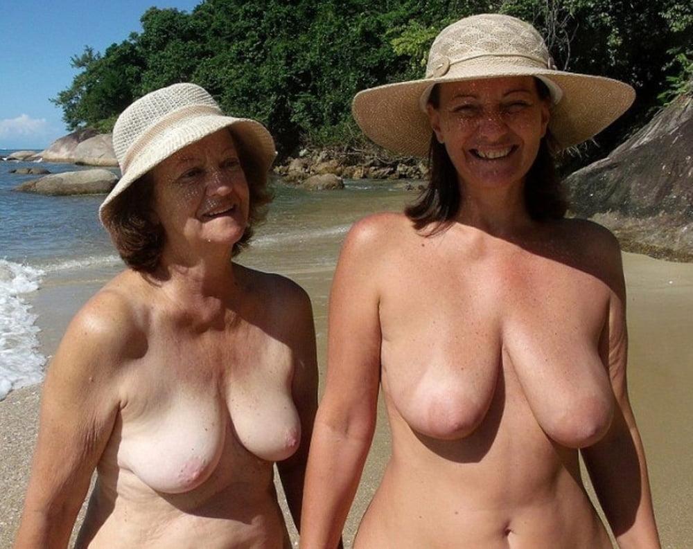 Mature Amateur Nude Women