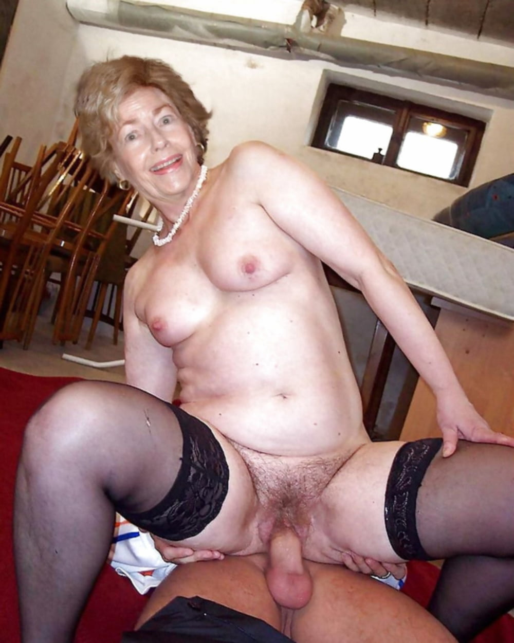 Amateur sex with older woman — pic 5