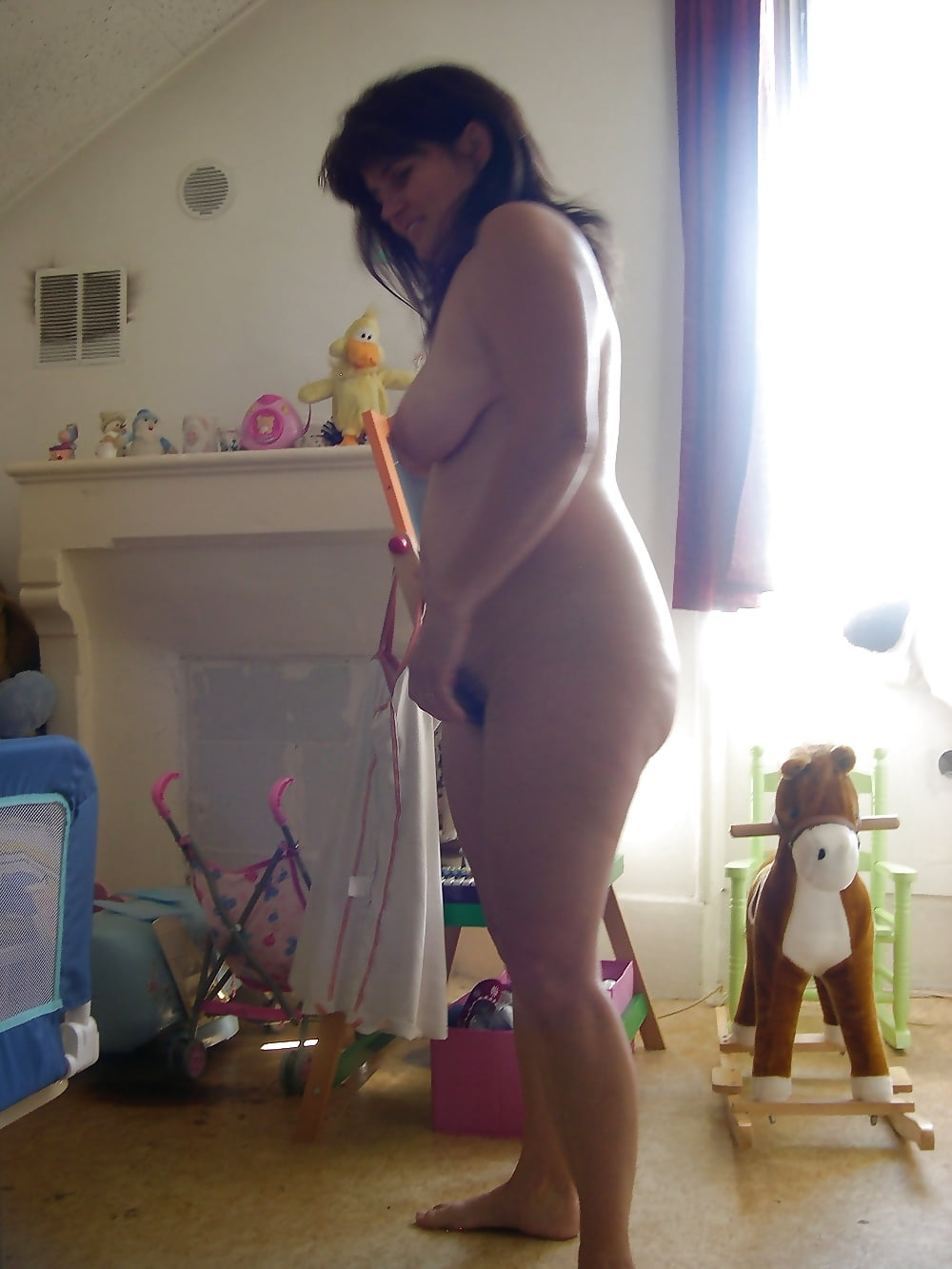 Wife cleaning nude-2619