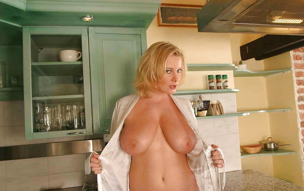 tits-housewife-hot-sexy-websites
