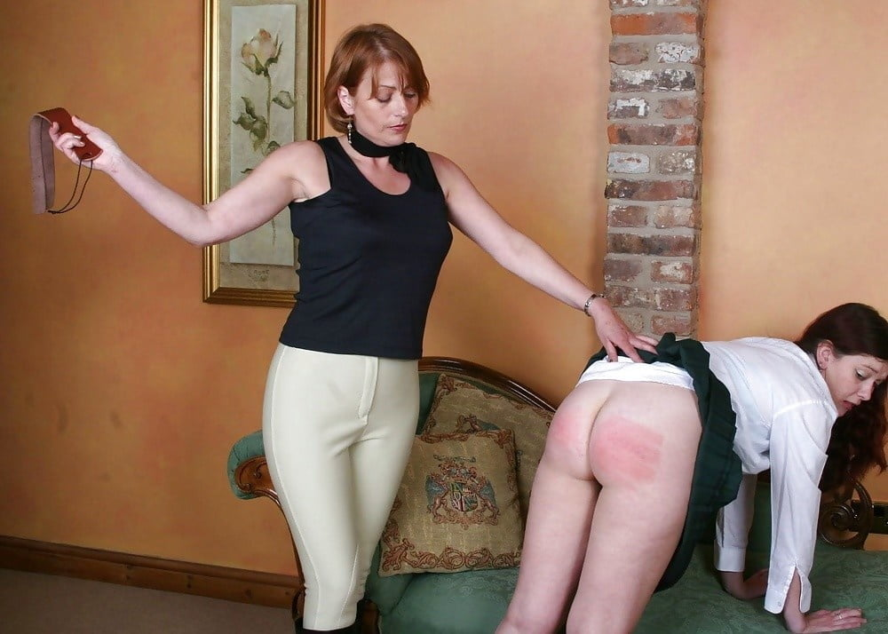 Mothers that spank — photo 9