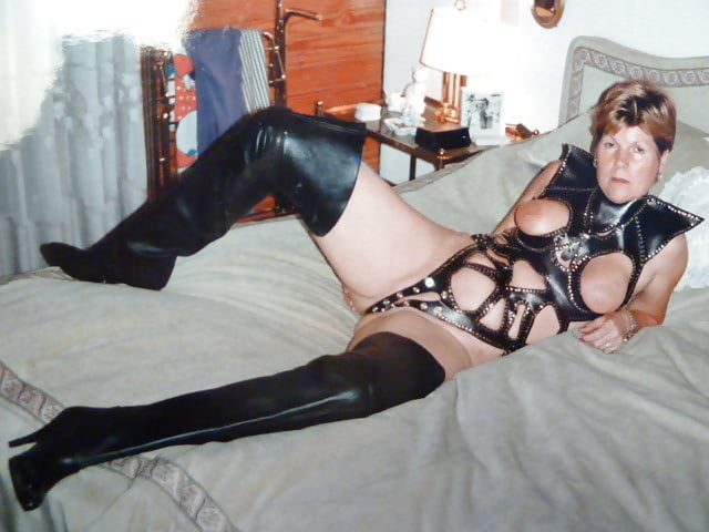 amateur milf in leather
