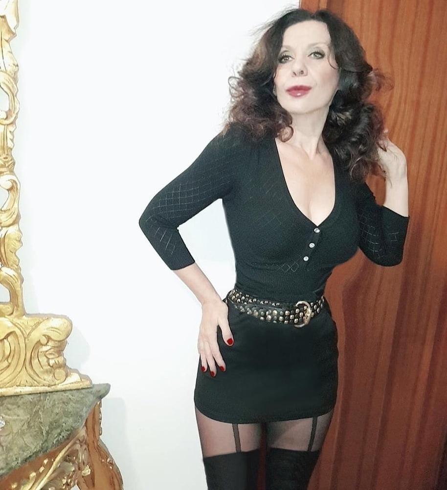 See and Save As elegant mature loredana milano porn pict