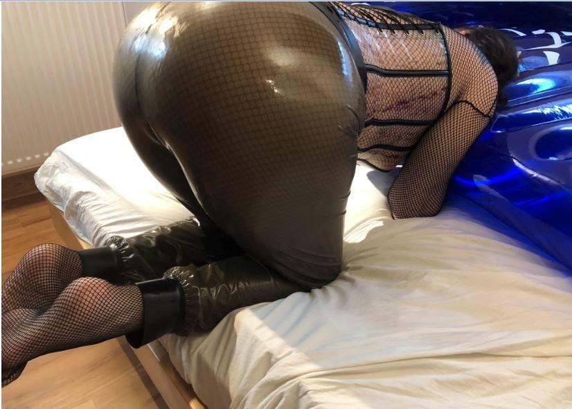 Latex masturbation on inflatable Bed - 71 Pics