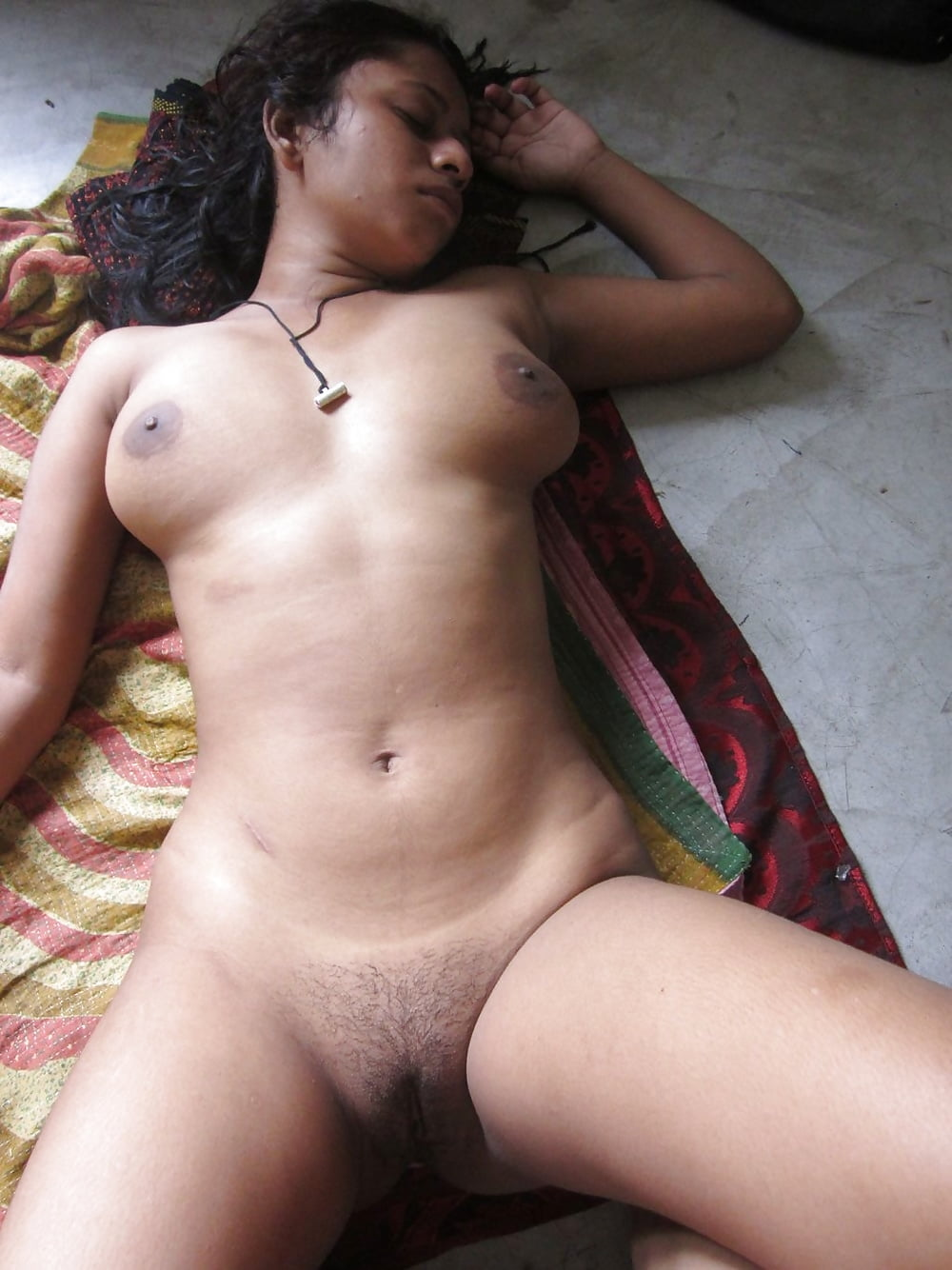 Bangladeshi college girls nekad