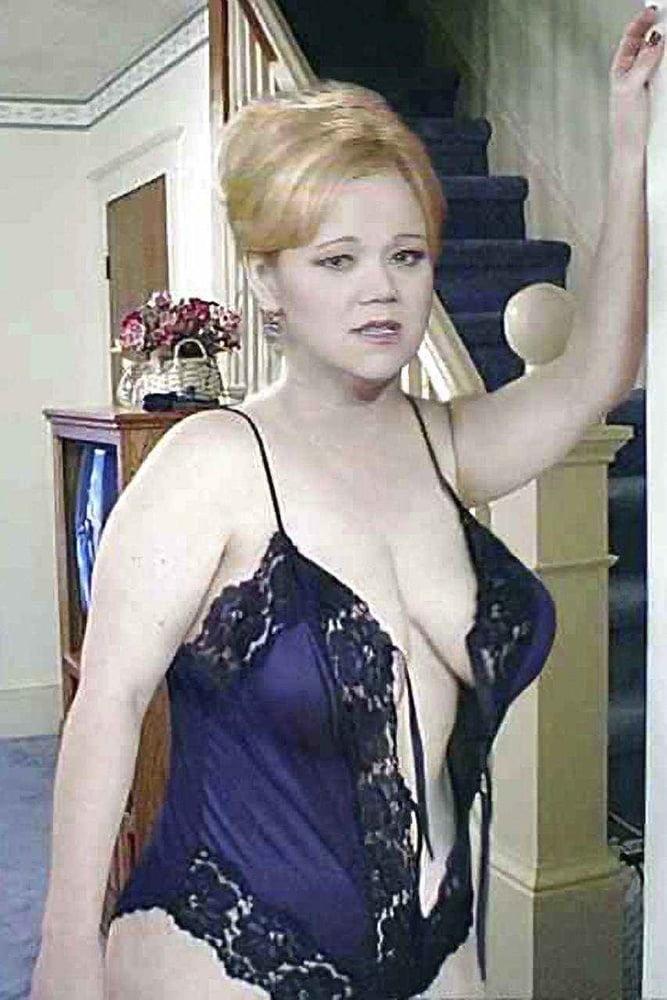 порно фото кэролайн ри феи