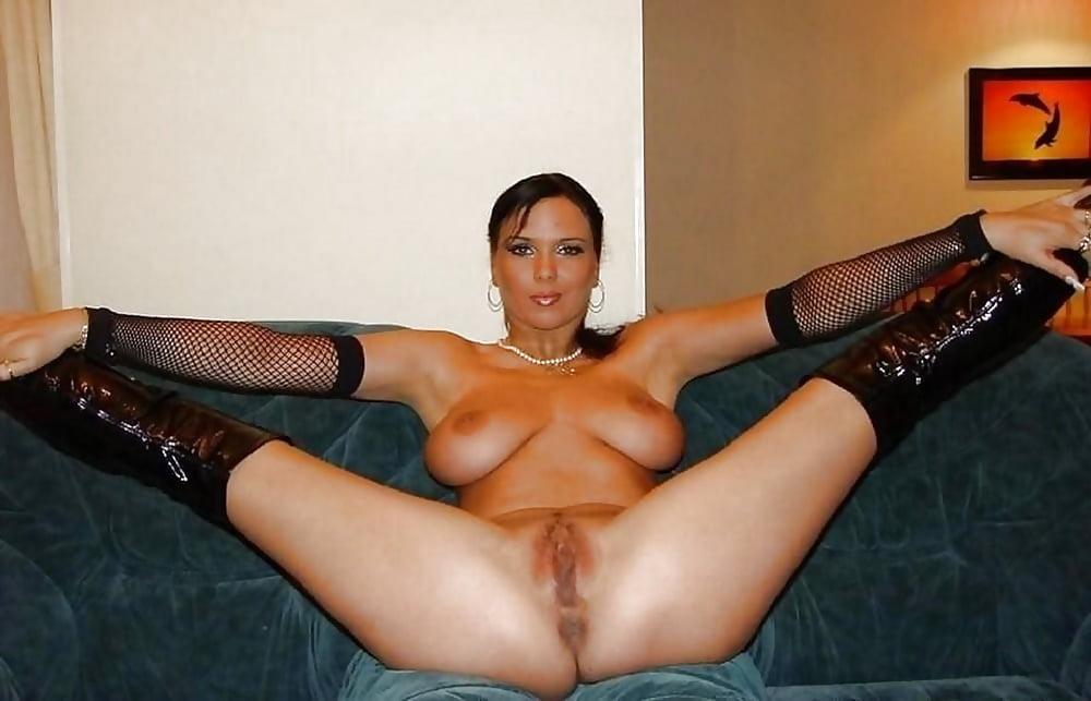 секс фото дома брюнетка в теле девушка, понимая