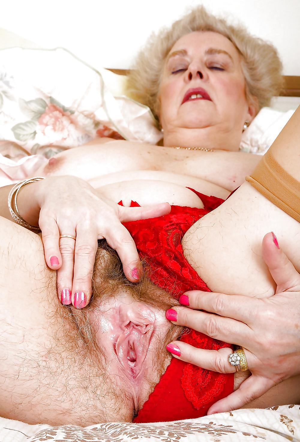 снимки волосатые пизды у старых женщин замечательное утро