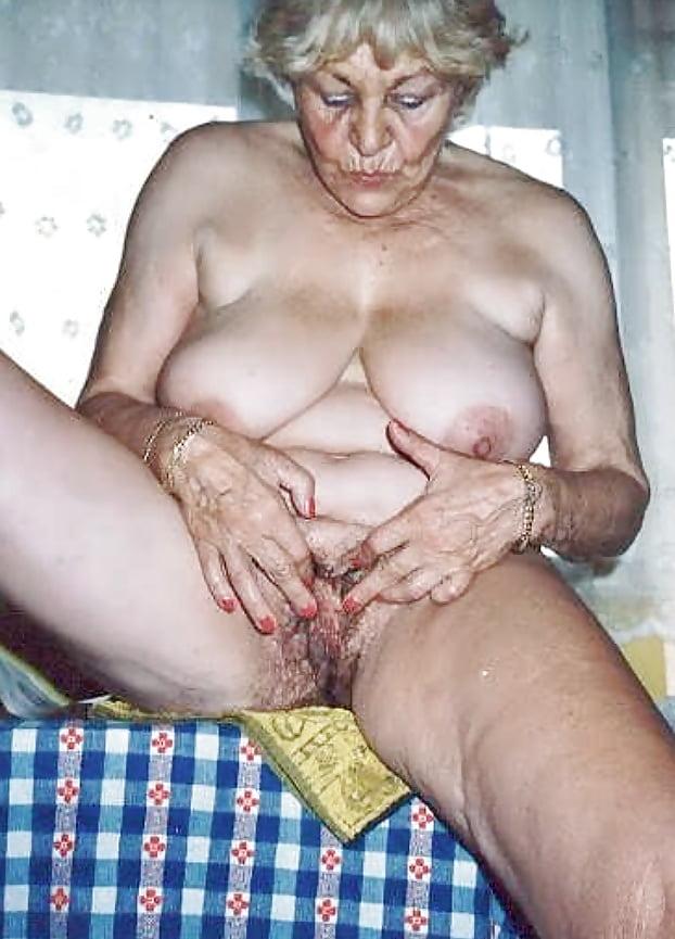 Bikini girl strangled