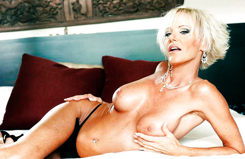 Free porn pics from kara davis