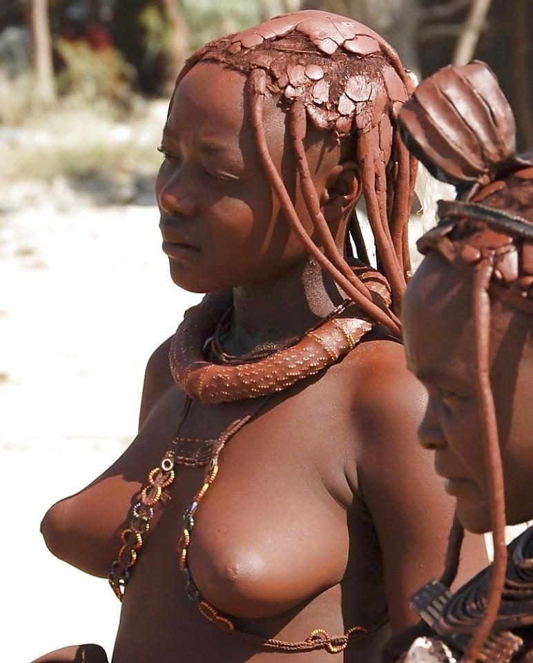 Женское эротика в племенах мира щеку