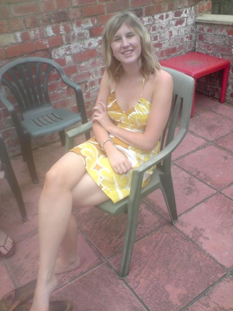 Blonde wife 49 - 32 Pics