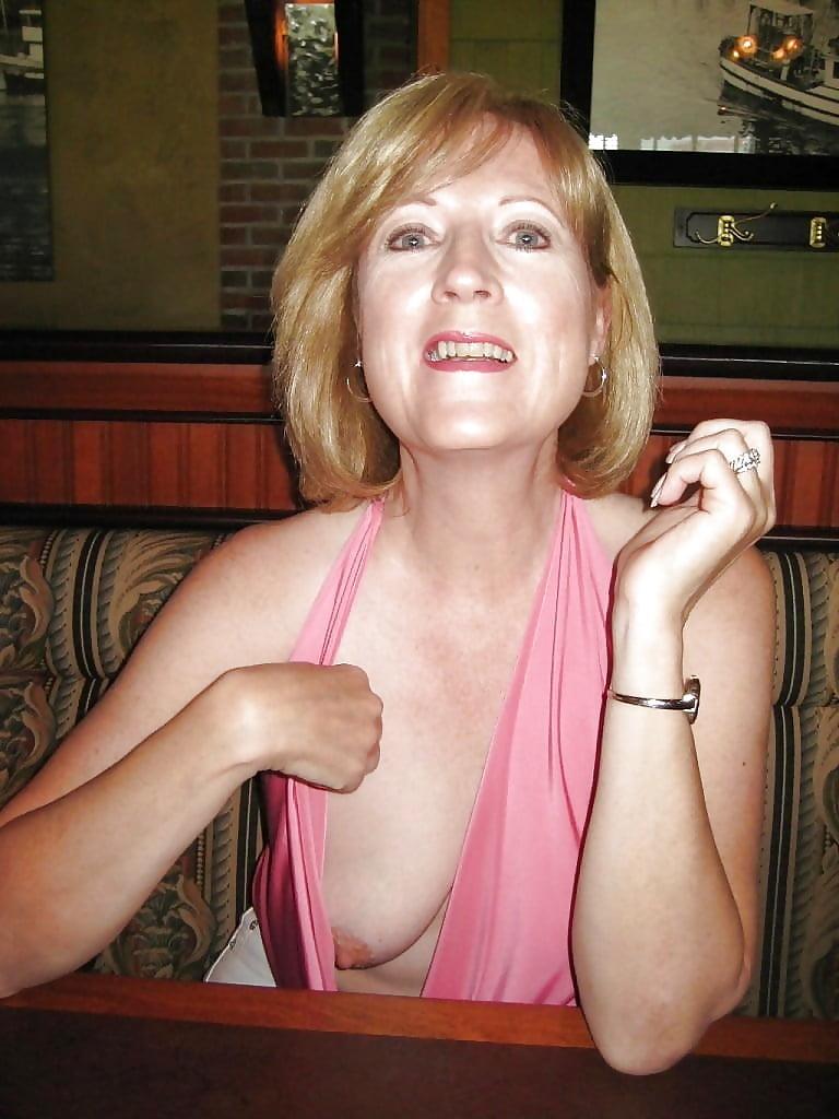 boob slip bines Amanda