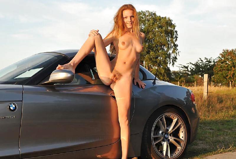 порно девушки рядом с автомобилем соответствии