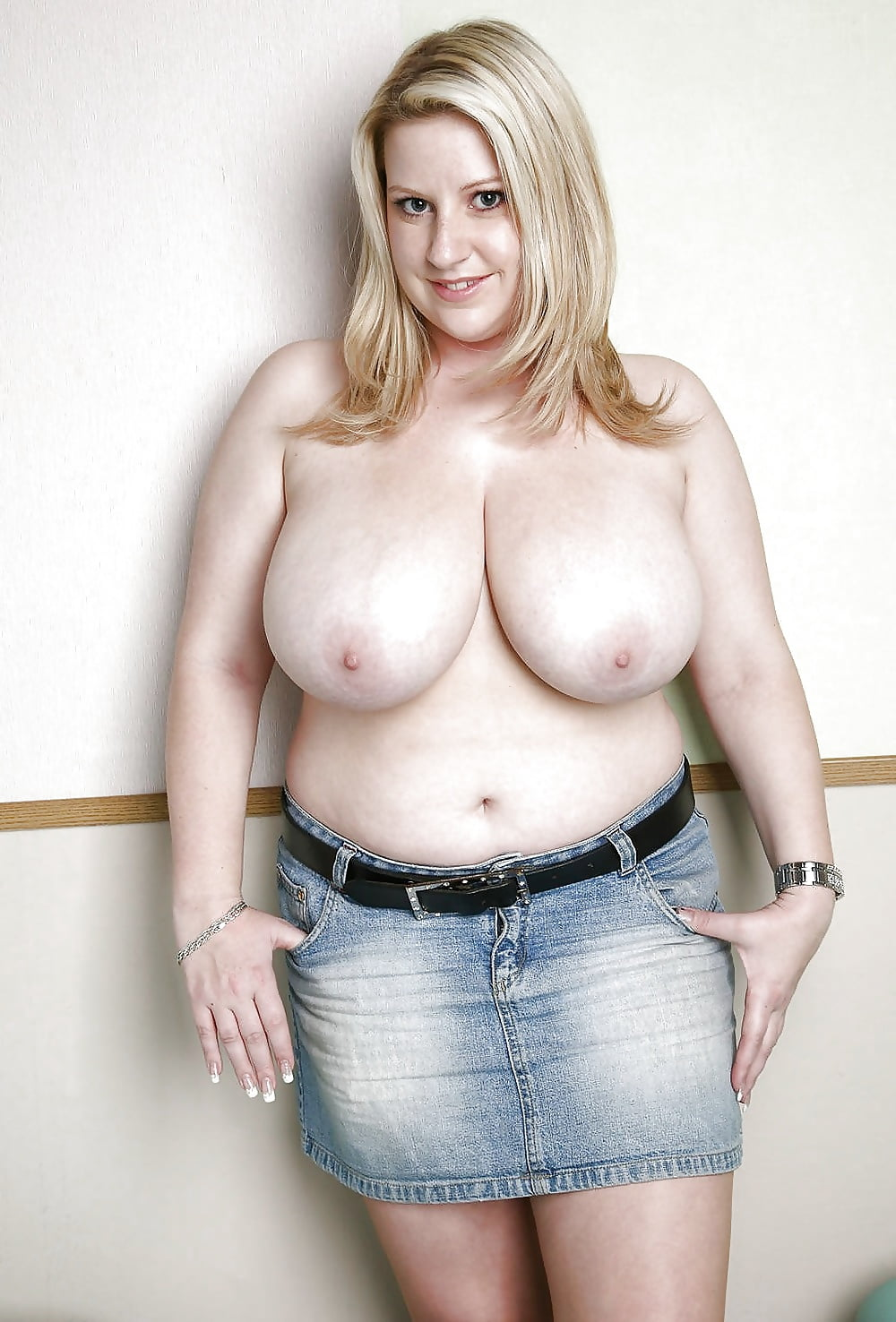 Chubby Girl Flashing Big Tits