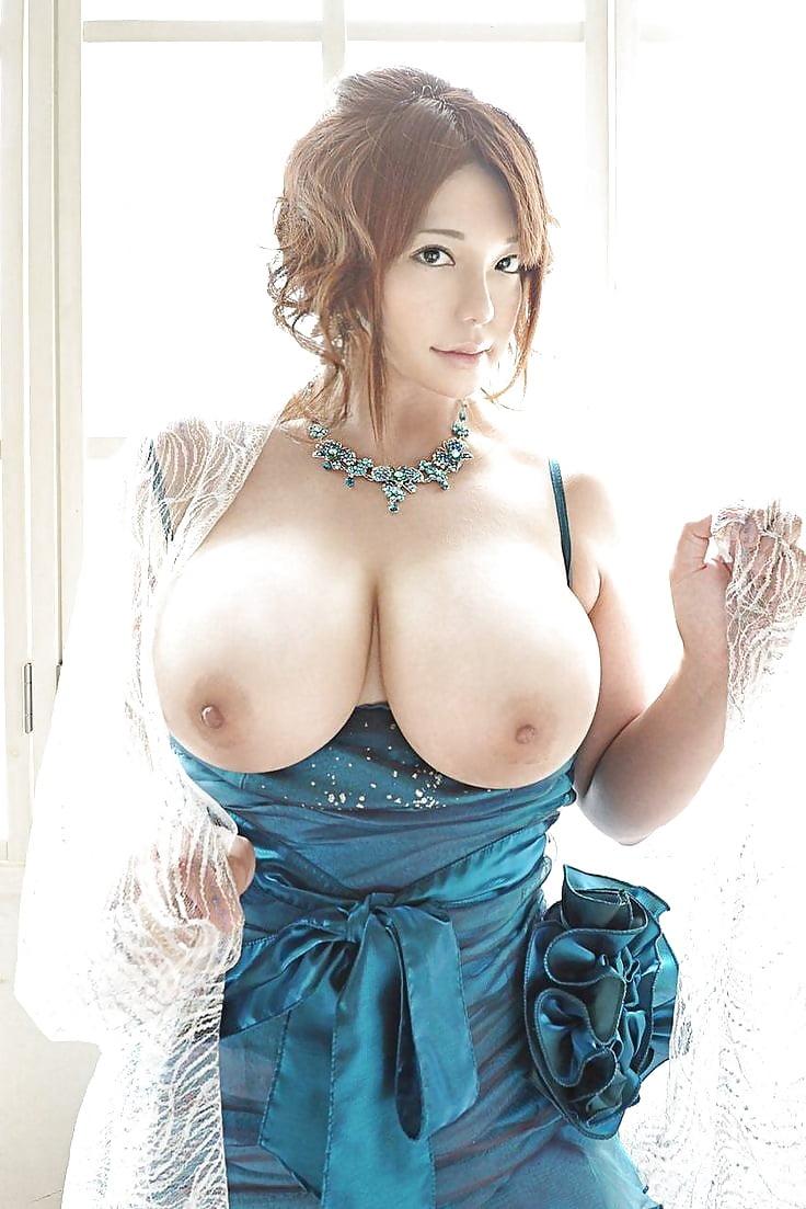 big-tits-japanese-girls-big-tits