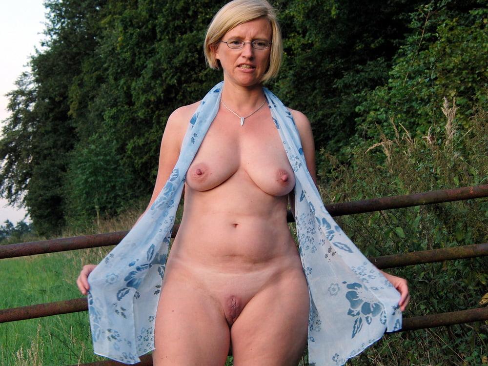 redhead-naughty-free-mature-farm-pics-tits