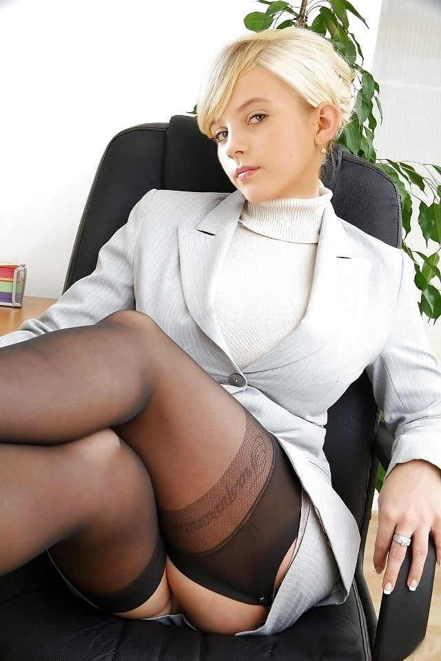 Фото красивой пизды бизнес леди