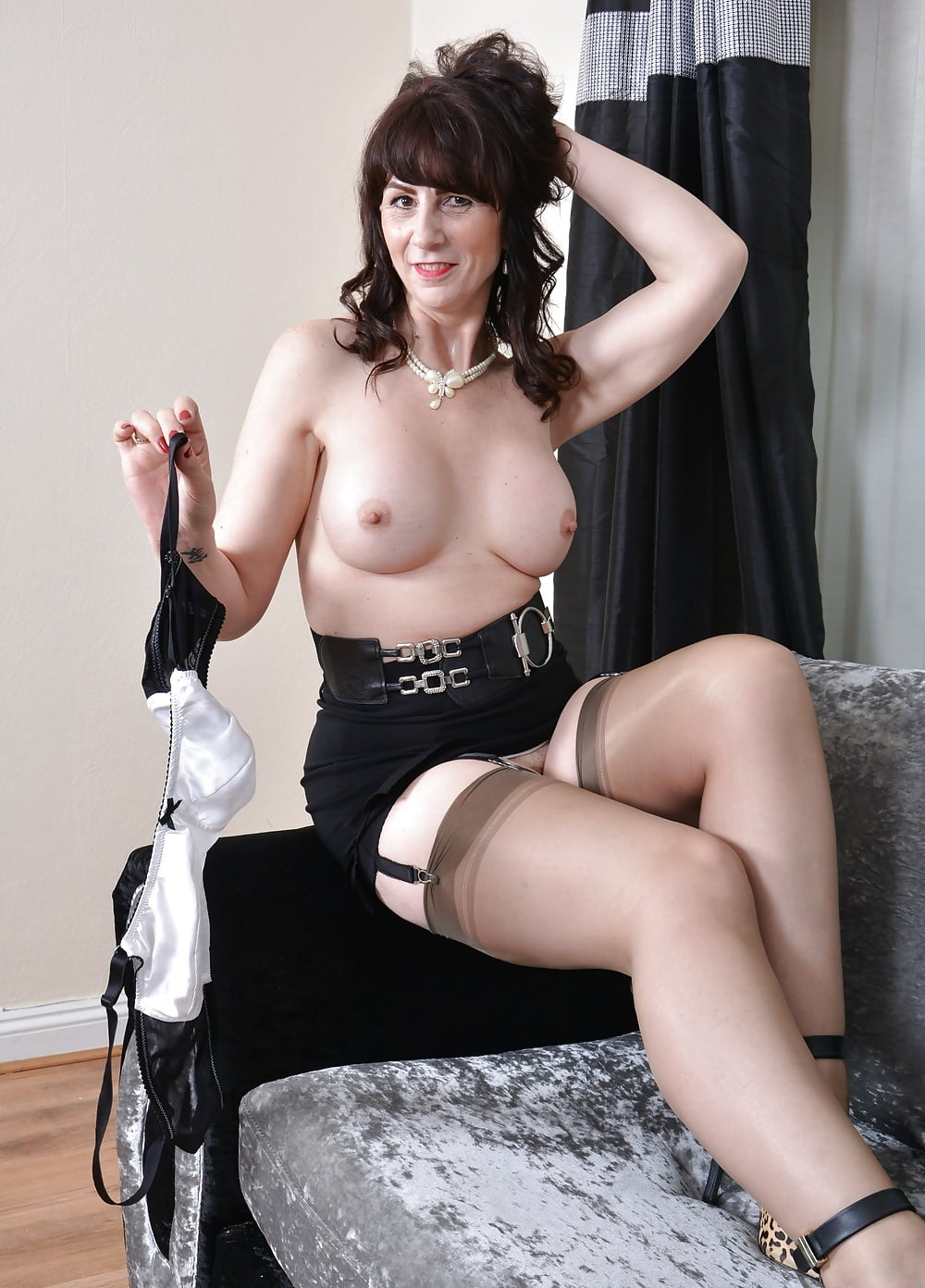hairy-pussy-ladies-in-stockings