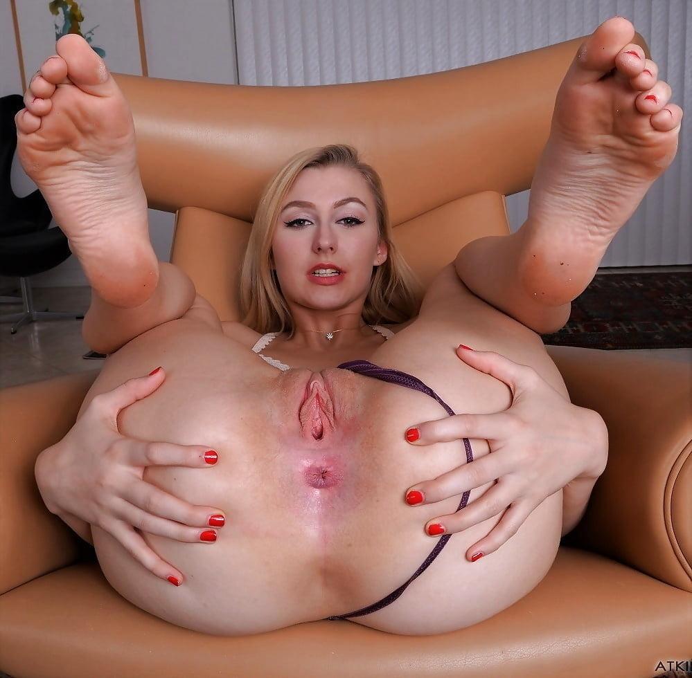 Milf anal feet