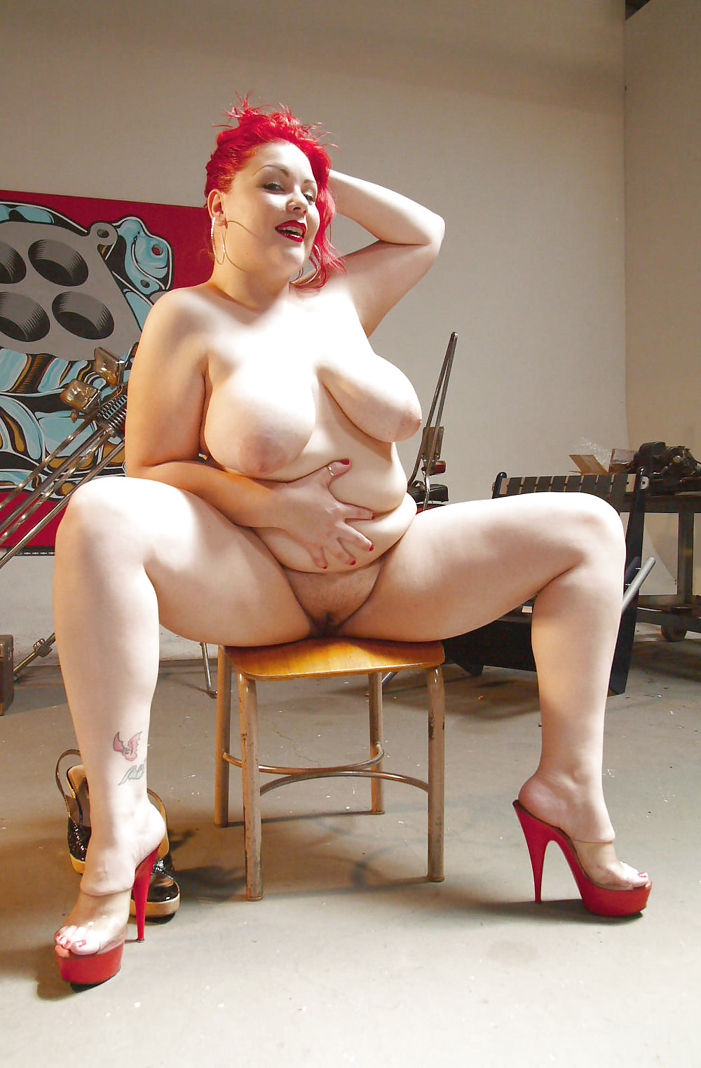 chubby-high-heels-nude