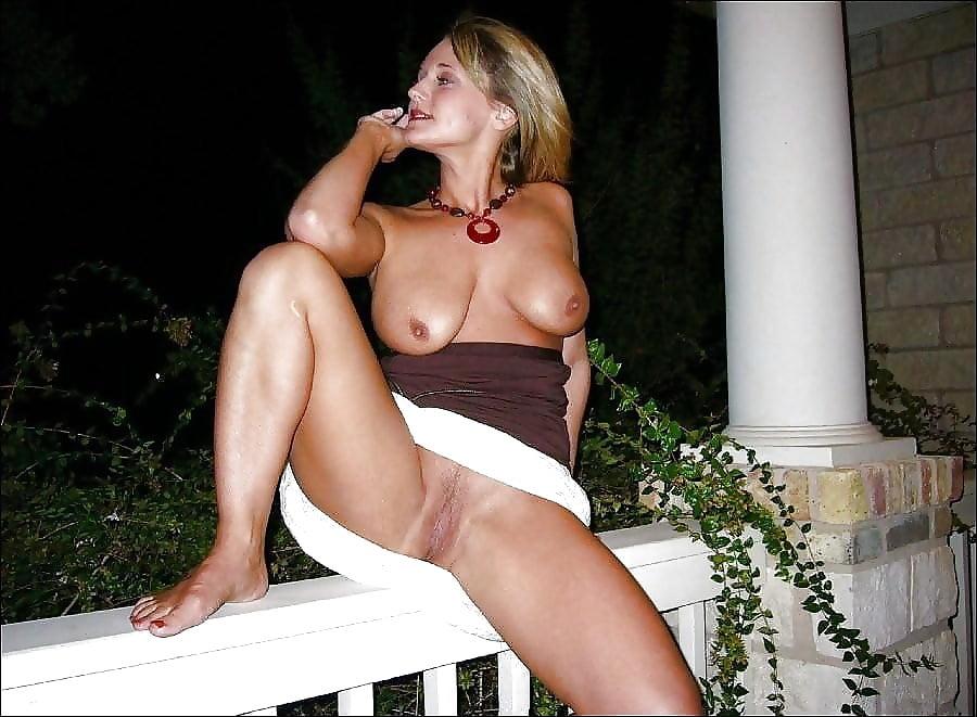 Шоу зрелых голых женщин смотреть и их прелести
