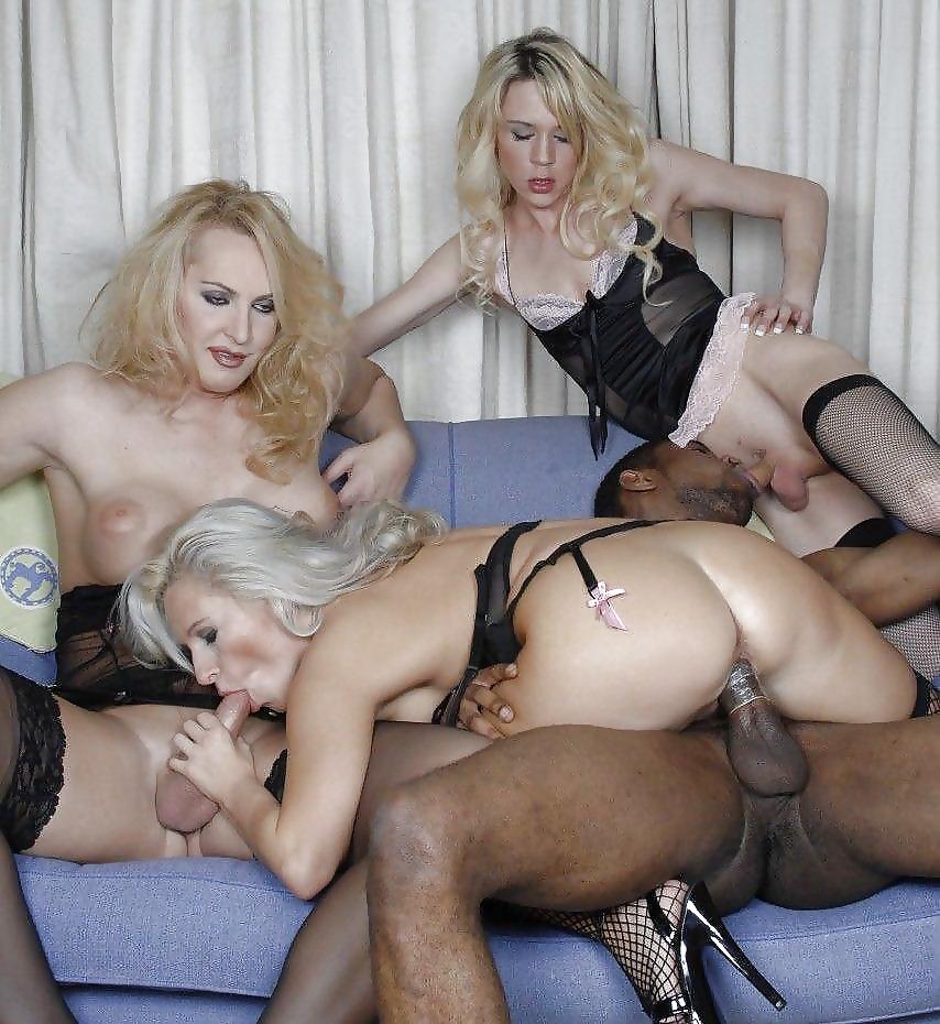 Анальные оргии зрелых дам, смотреть порно бабы дрочат огромные члены