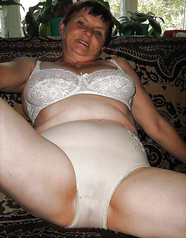 Mature lady panty sex