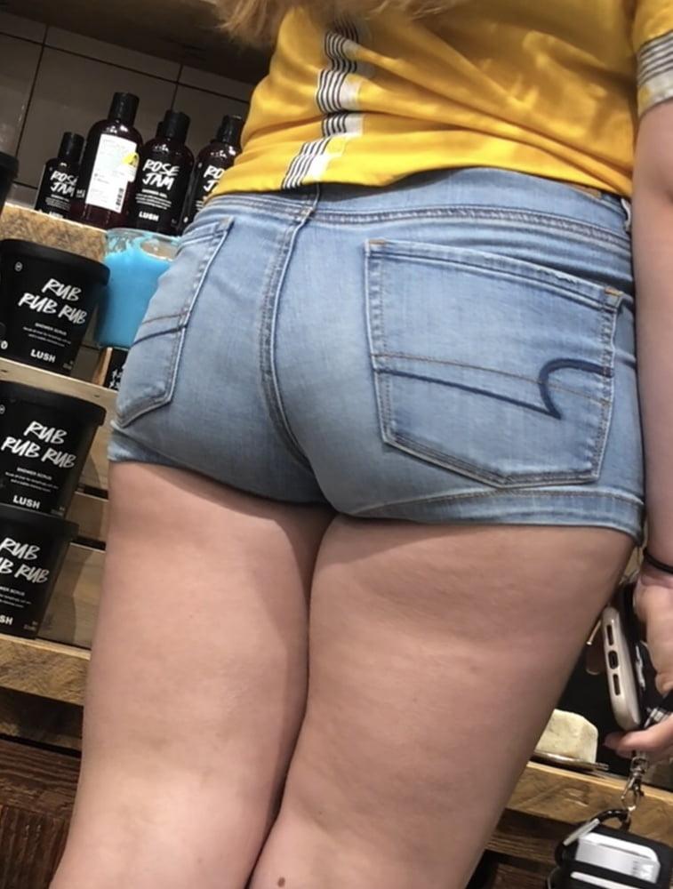 Youtube fat ass in shorts