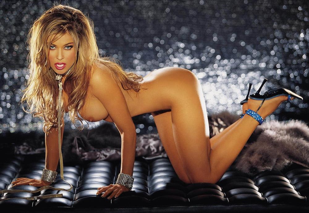 Carmen electra nude photos