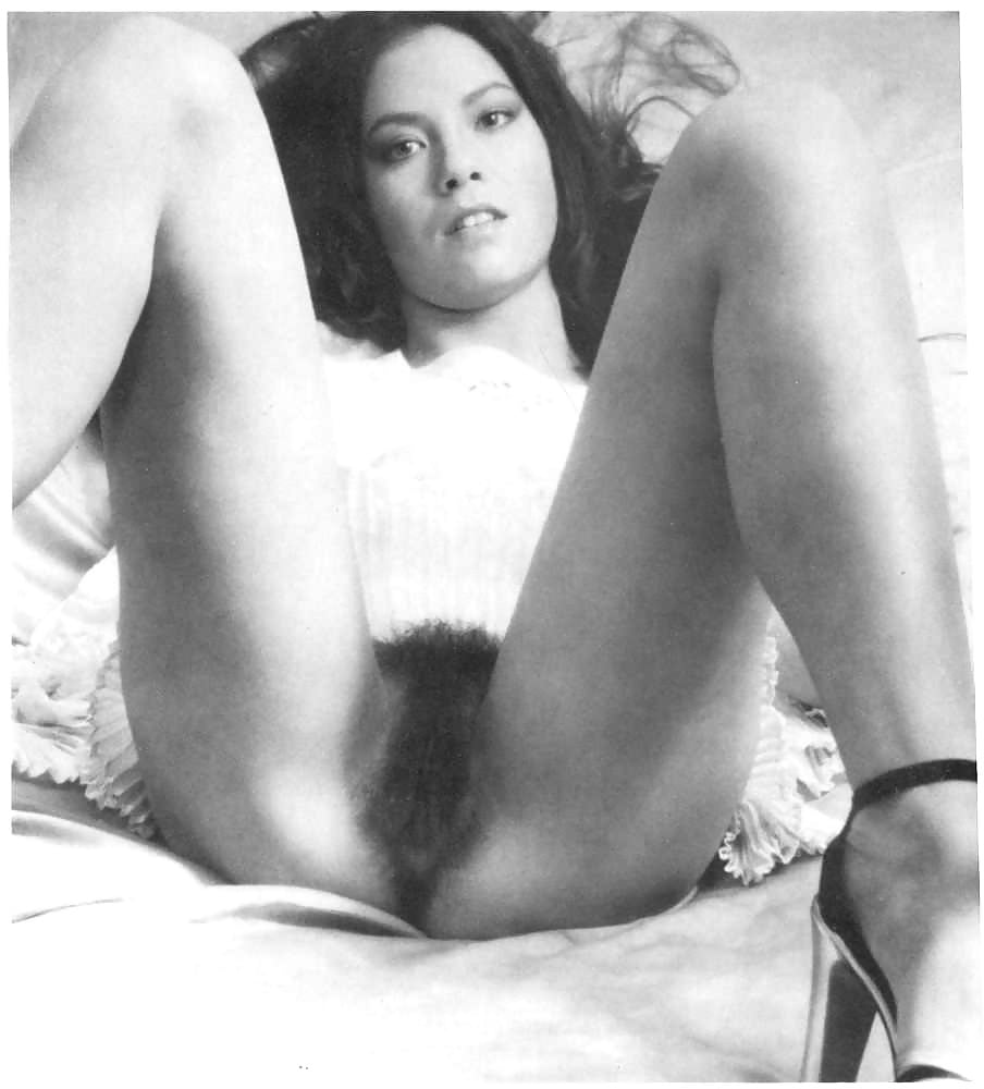 retro-hairy-young-pussy