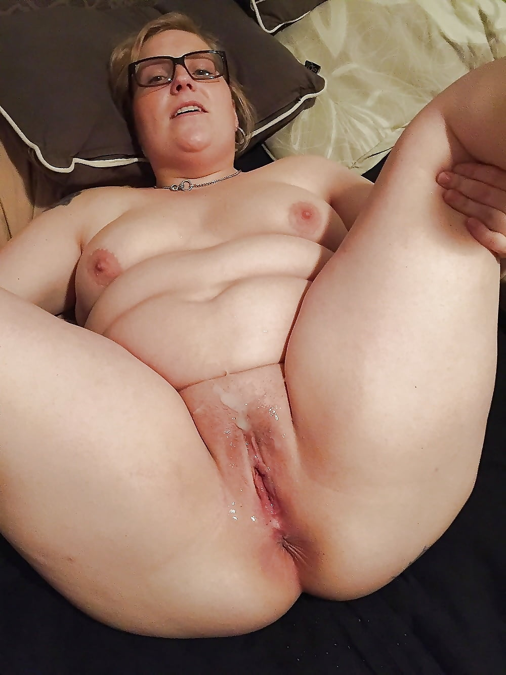Granny pussy throbs for creampie — img 10