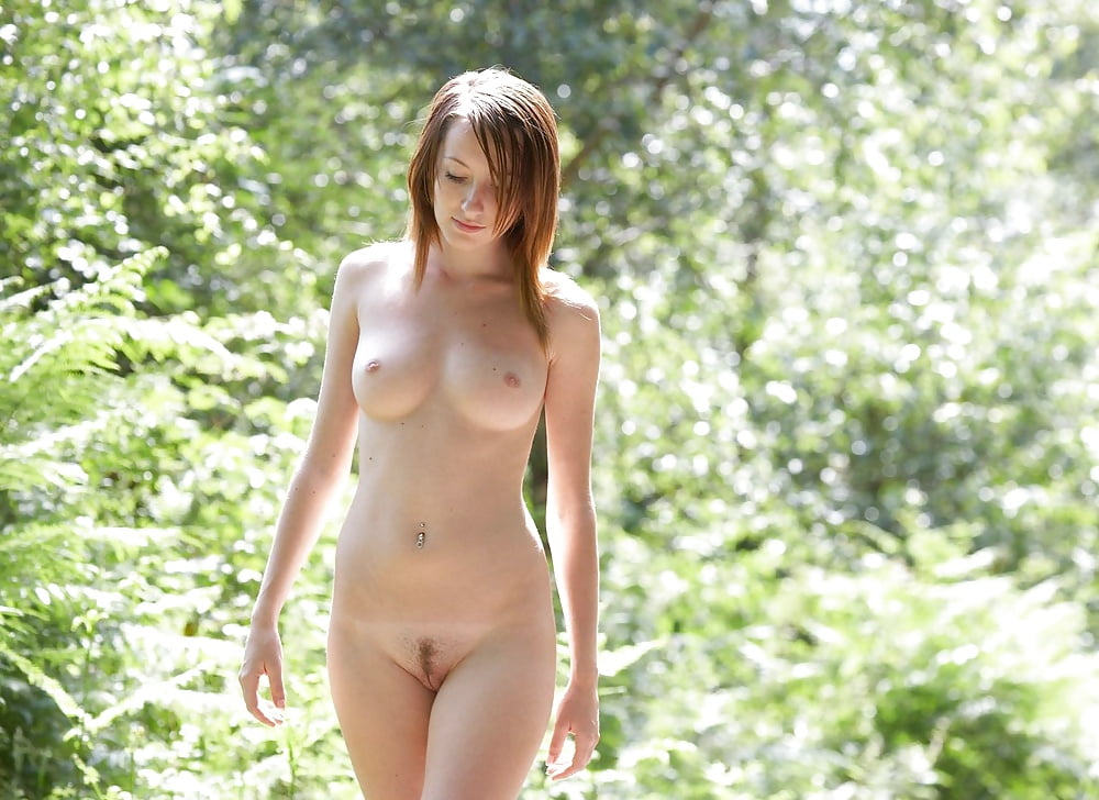 Chica nude natural poked sex deep