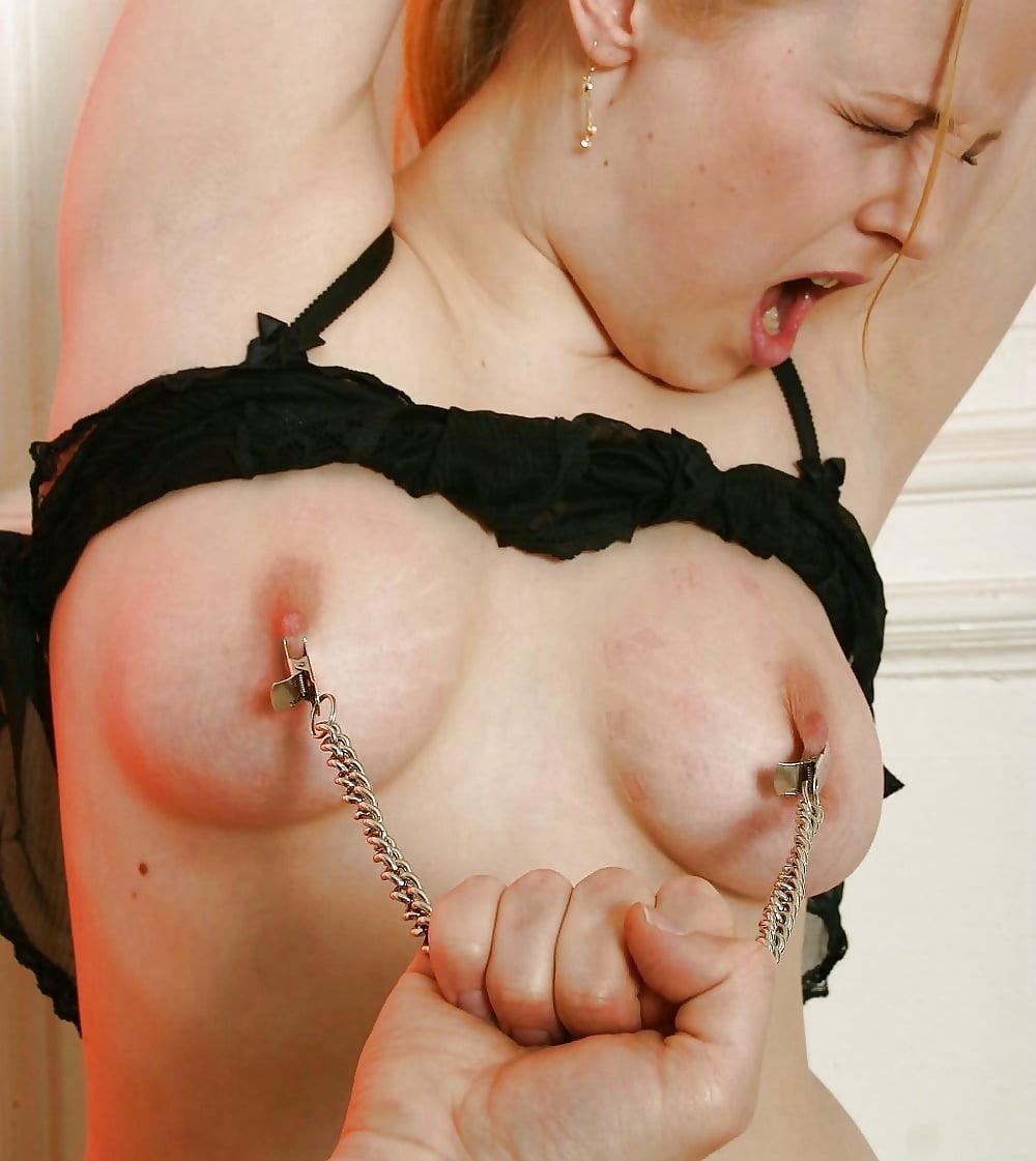 woman-pulling-on-nipples-nude-xxx-nade-pakistani-grl-photo