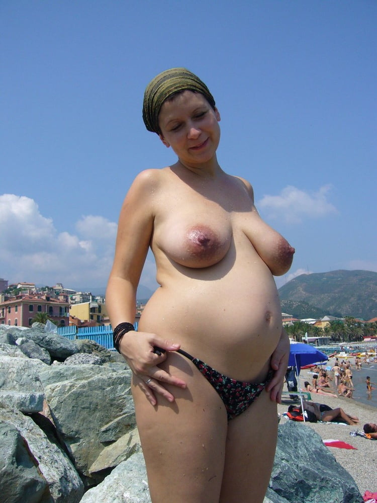 pregnant-naked-on-beach-hot-nude-thugs