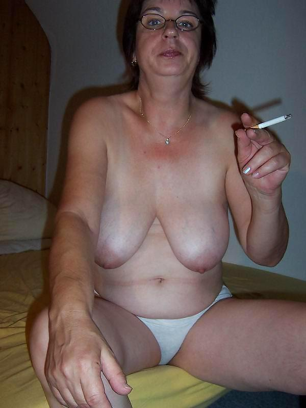 nude-amateur-ugly-mom-hairy-asshole