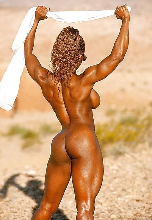 Nude sexy female bodybuilders — pic 11