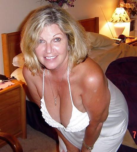 dating-nude-older-women-landry-bender-sex