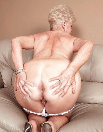 shows ass Granny