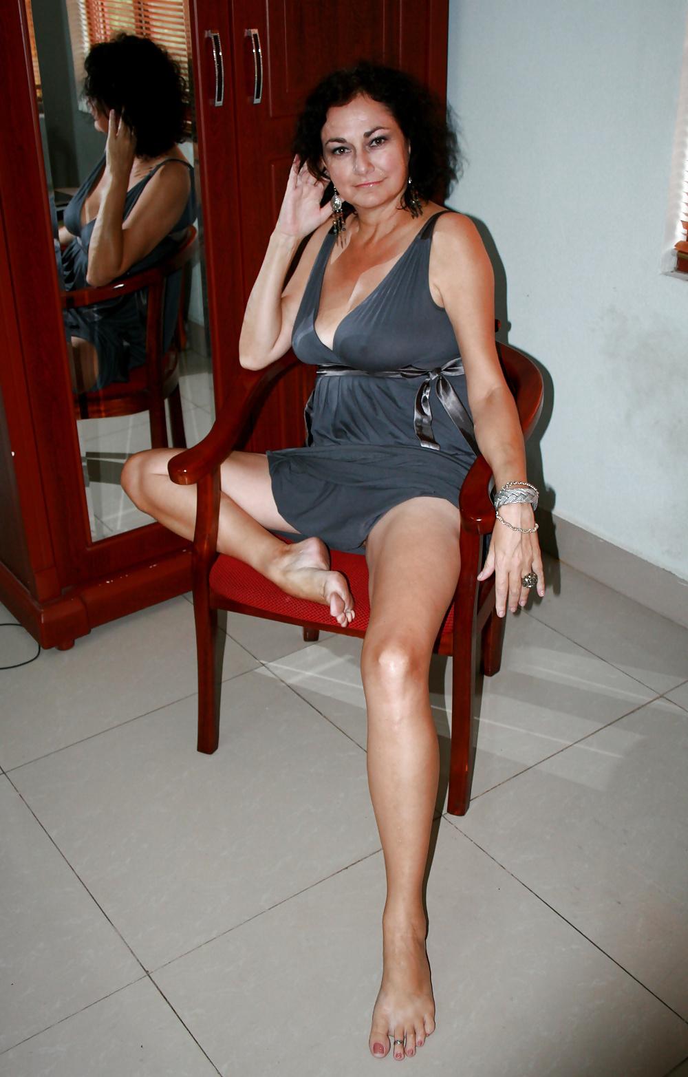 How To Dress Like An Italian Woman Alexandra De Curtis