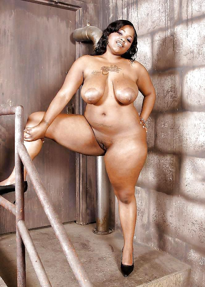 Yellow bone woman pics naked, big butt linette