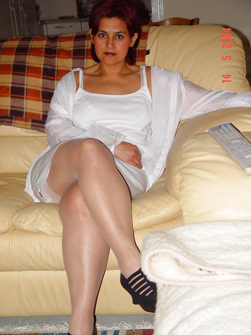amature-wife-in-adult-cinema-older-age-bikini-models